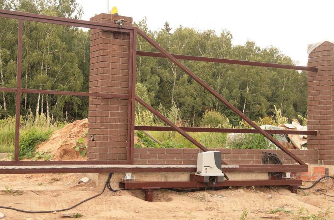 фундамент для откатных ворот на сваях